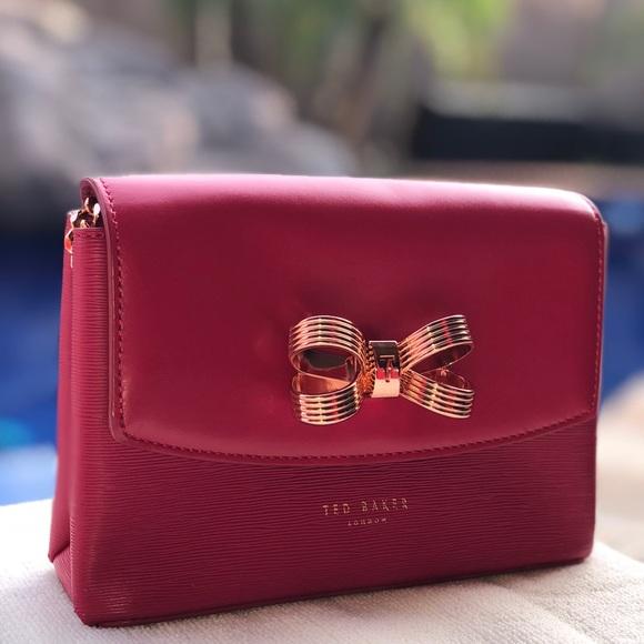 5abdbd390bbc4 Hot Pink Ted Baker Leather Leorr Bow Crossbody Bag.  M 5ab7463145b30ce79b2a4c47